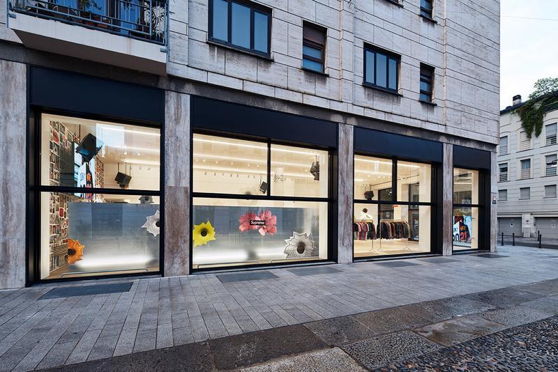 https hypebeast.com image 2021 05 supreme milan store photos 2 1 Brinkworth, az építészeti dizájncég a Supreme letisztult üzletei mögött