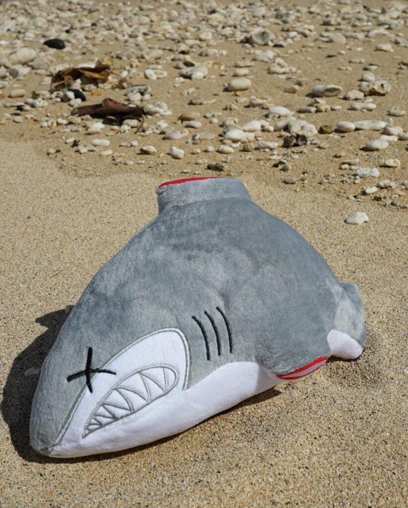 OG Slick Shark Plush 2 OG SLICK: B*szd meg a cápauszonylevesed