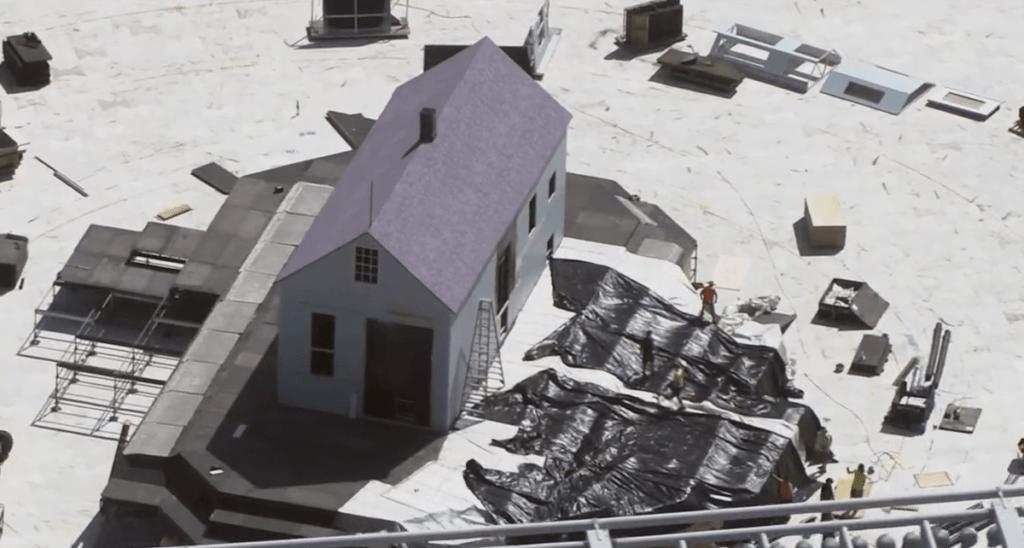 kanye house 1 1 Kanye éppen újraépítteti gyerekkori házának mását harmadik Donda bulira